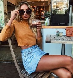 Cool 51 Fabulous Spring And Summer Outfits Ideas For 2018. More at http://trendwear4you.com/2018/03/09/51-fabulous-spring-summer-outfits-ideas-2018/