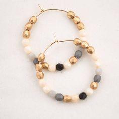 Jewelry Design Earrings, Beaded Earrings, Earrings Handmade, Gold Earrings, Beaded Jewelry, Beaded Bracelets, Etsy Jewelry, Thin Hoop Earrings, Bijoux Diy
