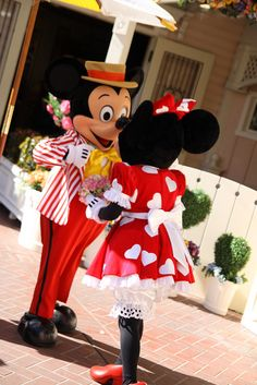 A very dapper Mickey and his little Minnie Mouse ;)