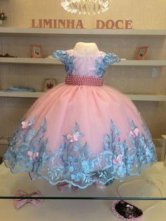 Flower Girl Dress Shoes, I Dress, Baby Dress, Birthday Fashion, Party Fashion, Girl Fashion, Dog Dresses, Little Girl Dresses, Cute Dresses