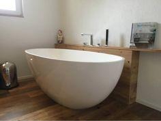 Freistehende Badewanne Piemont Medio. Badewanne freistehend. http://ift.tt/2nB8T7A #badewanne #badezimmer #Bädermax