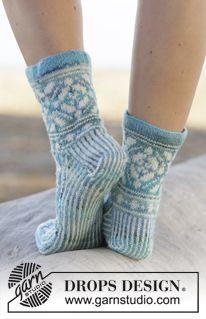 "Gestrickte DROPS Socken in ""Fabel"" mit Norwegermuster. Größe 35 - 43. ~ DROPS Design"
