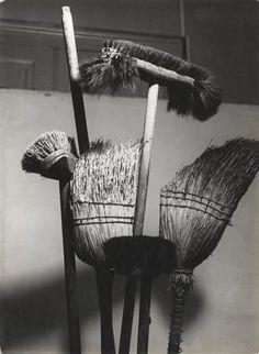 Balais  Description: vers 1935   Auteur: Bauh Aurel (1900-1964)photographe RMN