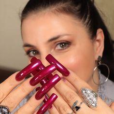 Sexy Nails, Hot Nails, Long Red Nails, Curved Nails, Red Acrylic Nails, Exotic Nails, Nails Only, Latex Fashion, Perfect Nails