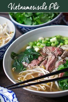 Vietnamesische Nudelsuppe (Pho) - Madame Cuisine - List of the best food recipe Gluten Free Chinese Food, Vegetarian Chinese Recipes, Homemade Chinese Food, Authentic Chinese Recipes, Easy Chinese Recipes, Spicy Recipes, Pork Recipes, Asian Recipes, Appetizer Recipes