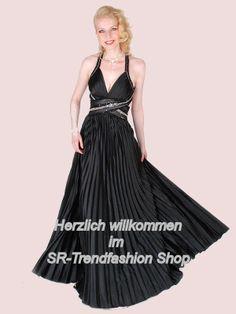 Bei uns finden Sie Abendkleider, Brautkleider, Festkleider und das passende Zubehör, als auch viele Kleider in Maßanfertigung.