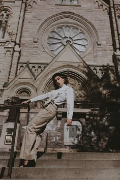 Emma and I shot a few Paris-inspired looks around Salt Lake City, but pretended to be in France. Poses Photo, Portrait Photography Poses, Photography Poses Women, Autumn Photography, Urban Photography, Street Photography, Style Photoshoot, Creative Fashion Photography, Foto Instagram