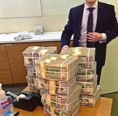 Stacks cash out do you wanna know how to much money this way then slide in my dm  How To Get Money, Make Money Online, Earn Money, Fake Money Printable, Millionaire Mentor, Money Stacks, Gold Money, Bitcoin Mining, Extra Cash