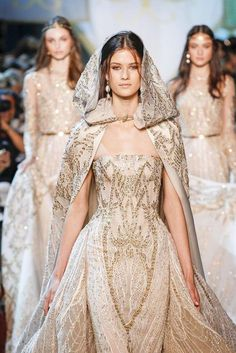 ~ Living a Beautiful Life ~ Elie Saab, Automne/Hiver Paris, Haute Couture . ~ Living a Beautiful Life ~ Elie Saab, Fall / Winter Paris, Haute Couture - winter Elie Saab Couture, Haute Couture Paris, Haute Couture Fashion, Elegant Dresses, Pretty Dresses, Beautiful Dresses, Beautiful Life, Jw Moda, Runway Fashion