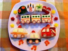 【誕生日・幼児食プレート】電車&働く車♪の画像 Birthday Menu, Birthday Plate, Bento Kids, Cute Bento, Kids Menu, Baby Eating, Kid Friendly Meals, Cute Food, Food Menu