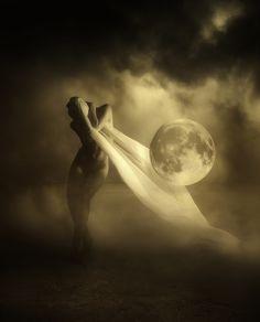Full moon by Miranda. S)