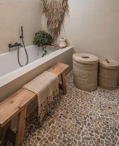 Bathroom Goals, Boho Bathroom, Bathroom Design Small, Spa Design, House Design, Casa Cook, First Home, Clawfoot Bathtub, Bathroom Inspiration