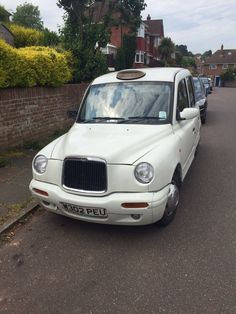 White London Taxi Cab TX1 - W Reg (2000) - For Spares or Repair | eBay