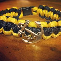 Paracord bracelets with Charms! White Camo, Pink Camo, Desert Camo, Woodland Camo, Digital Camo, Paracord Projects, Beaded Skull, Colour List, Paracord Bracelets