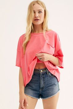 College Wardrobe, Free People Store, Basic Tees, Short Sleeve Tee, Dress To Impress, Bell Sleeve Top, Cute Outfits, Fashion Outfits, Casual