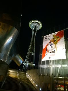 Walking Seattle at night (along the EMP)
