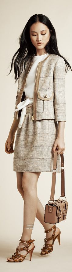 Alberta Ferretti Pre Spring 2016 collection women fashion outfit clothing style apparel @roressclothes closet ideas
