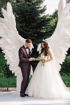 Savings Challenge Discover Giant angel wings white - background at the wedding ceremony party outdoor wedding decoration wedding photo zone wing decor trends 2020 Perfect Wedding, Dream Wedding, Fantasy Wedding, Outdoor Wedding Decorations, Party Outdoor, Outdoor Weddings, Stage Decorations, Outdoor Stage, Decor Wedding