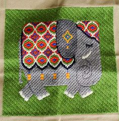 Elephant Bargello Pillow Front...    http://retrorenovation.com/2012/03/06/erica-wilson-and-margaret-boyles-teach-bargello-needlepoint-pillows-to-bobbie/comment-page-1/#comment-122289