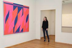 Bridget Riley, Two Reds with Violet, 2008. - Amy Jongeneelen: ''Mijn eerste gedachte bij dit schilderij: Wow, wat een geweldige kleuren. Het straalt kracht en energie uit.''