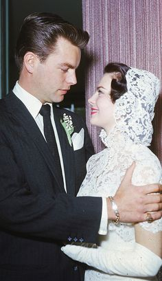 Net Image: Robert Wagner and Natalie Wood: Photo ID: . Picture of Natalie Wood - Latest Natalie Wood Photo. Old Hollywood Wedding, Hollywood Couples, Hollywood Glamour, Hollywood Stars, Celebrity Wedding Photos, Celebrity Wedding Dresses, Celebrity Weddings, Old Wedding Photos, Natalie Wood