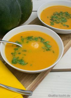 Muskatkürbis Suppe mit Garnelen