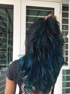 20 Stunning Blue Hair Color Trend Ideas 20 Stunning Blue Hair Color Trend Ideas – Revelationluv – Station Of Colored Hairs Dark Purple Hair Color, Ombre Hair Color, Hair Color Balayage, Cool Hair Color, Blue Hair Highlights, Blue Ombre, Hair Colors, Auburn Hair, Dyed Hair