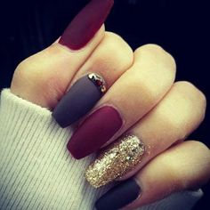 Trendy Manicure Ideas In Fall Nail Colors;Purple Nails; Fall Nai… Trendy Manicure Ideas In Fall Nail Colors;Purple Nails; New Nail Designs, Simple Nail Designs, Nails After Acrylics, Matte Nail Art, Nagellack Trends, Burgundy Nails, Dark Purple Nails, Purple Hues, Red Purple