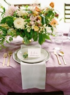 Organic pink and gold tablescape #wedding #gold #goldwedding #reception #gardenparty
