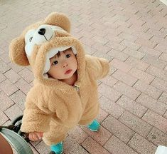 Cute Baby Girl Pictures, Cute Baby Boy, Cute Little Baby, Baby Kind, Little Babies, Twin Baby Boys, Cute Asian Babies, Cute Funny Babies, Korean Babies