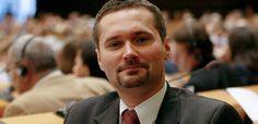 Młody Wałęsa chce postawić przed Trybunał Stanu. Wszystkich!!!
