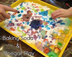 Baking soda & coloured vinegar tray