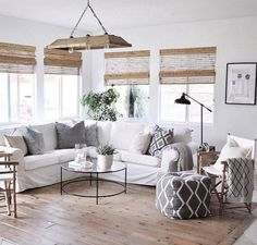 The Quintessential Manual to Lake House Living Room Decor - decorhomesideas Modern Farmhouse Living Room Decor, Simple Living Room Decor, Elegant Living Room, Living Room Modern, Living Room Interior, Living Room Designs, Interior Livingroom, Living Rooms, Living Room With Fireplace