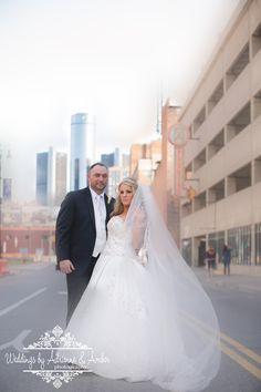 Royal Oak Wedding Photographers-Weddings by Adrienne & Amber #royaloak #weddings #photography #weddingsbyaa #detroit #royaloak #bride #groom #downtown #buildings #gorgeous