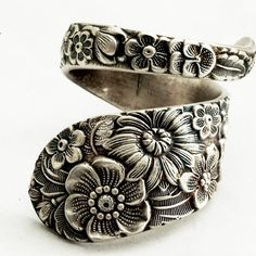 really beautiful spoon ring I love the floral!