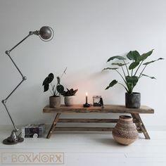 BoxWorx | Meubels | Bank ASIAN - natuurlijk houten bankBoxWorx Small Living Rooms, Living Spaces, Desk Lamp, Table Lamp, My Room, Decoration, New Homes, Indoor, Interior