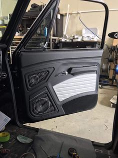 New truck interior door panels ideas Custom Car Interior, Car Interior Design, Truck Interior, Interior Door, Automotive Upholstery, Car Upholstery, Custom Trucks, Custom Cars, Chevy Silverado Accessories