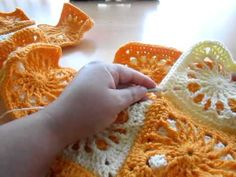 ▶ Cartera con cuadrados a crochet (granny square) - I - YouTube