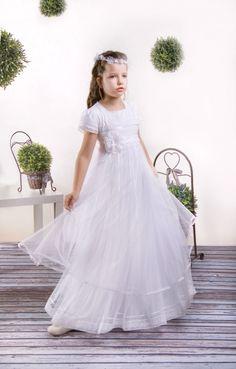 Delikatna sukienka komunijna w stylu empir
