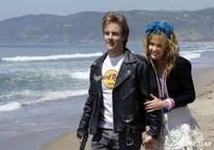 Greenwood you need to be this for Halloween. Robin Sparkles and James VDB, hilarious couples Halloween costume idea. Fall Halloween, Halloween Crafts, Halloween Decorations, Halloween Party, Canada Funny, Ps I Love, Love Holidays, Himym, How I Met Your Mother