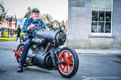 Black Pearl Motorcycle Powered by a Steam-Engine