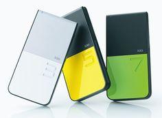 iida Lotta  岩崎一郎デザイン。シンプルな機能とデザインで気に入ってます。これの緑をときどき(G9と入れ替えて)使用中。GSM非対応で海外で使えないのだけが残念。電池のもちはすこぶる良し。