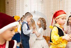 Dancing on holiday in kindergarten