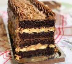 Ciambellone umplut cu cremă de ciocolată – Chef Nicolaie Tomescu Pastry Recipes, Cake Recipes, Dessert Recipes, Romanian Desserts, Lithuanian Recipes, Delicious Desserts, Yummy Food, Mousse, Yummy Cookies