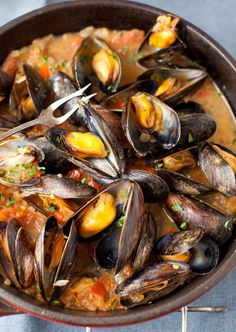 MUSSELS in White Wine Sauce | 26 Foods You Should Learn To Cook In Your Twenties