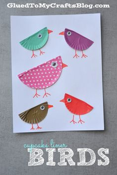 Basteln mit Kindern: Bunte Vögel aus Cupcake-Förmchen Cupcake Liner Kid Craft Roundup - all the links to paper crafts on Glued To My Crafts that use cupcake liners, in ONE epic post! Kids Crafts, Daycare Crafts, Summer Crafts, Toddler Crafts, Arts And Crafts, Paper Crafts, Fabric Crafts, Cupcake Liner Crafts, Cupcake Liners