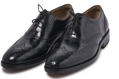 LeatherSkin Shop's Black Oxford Brogue wingtip for men should be a staple in your wardrobe. It's manufactured with genuine leather and can bring effortless sophistication to your outfit when styled correctly. Black Brogues, Oxford Brogues, Black Leather Shoes, Black Shoes, Men's Leather, Mens Tan Boots, Mens Derby Shoes, Oxford Shoes Outfit, Women's Shoes
