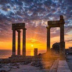 Acropolis of Lindos, Rhodes, Greece Ancient Ruins, Ancient Greece, Greek Island Tours, Greece Rhodes, Greek Isles, Greece Islands, Travel Goals, Greece Travel, Athens