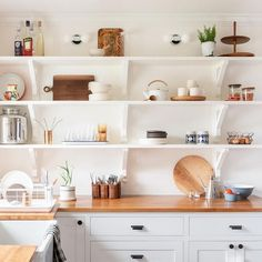 Amazing Small Kitchen Remodel with L Shaped White Wood Cabinet using Drawers and Shelves plus Wood Top Ideas and White Kitchen Shelves Design Idea and Accessories and Kitchen Washbasin Sets Small Kitchen Solutions, Traditional Kitchen, New Kitchen, Kitchen Ideas, Summer Kitchen, Open Cabinets In Kitchen, Kitchen Wood, Island Kitchen, Kitchen Designs