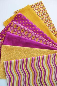Foto: Conjunto 7 tecidos ❀ Retro 80194 ❀ 16€ Medida de cada tecido : 75 cm x 30 cm ⊱♥⊰ Cada tecido é também vendido à unidade: A retalho [50 x 50 cm] 3.50€ A metro [100 cm x 150 cm] 15€ 100% algodão Pré-reserva : encomendas.wonderland@gmail.com